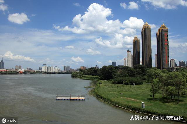 2017gdp排名_激荡四十年中国新一线城市GDP沉浮录
