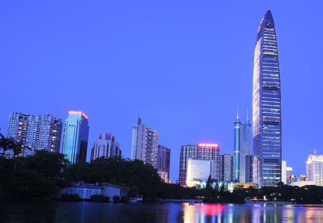 "gdp增速放缓_江苏最""悲催""的城市,GDP增速持续放缓,未来路在何方?"