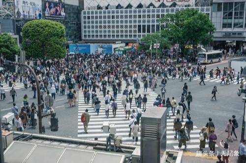 世界城市gdp_我国一城市GDP逼近4万亿,人均GDP13.5万,金融排名全球第五!