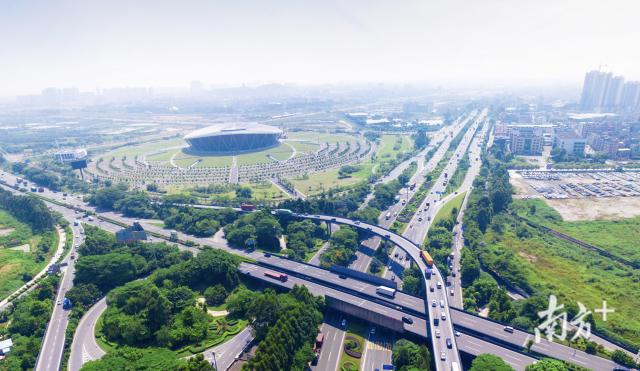 珠三角gdp_2019年,长三角GDP破万亿的城市有6个,那么珠三角呢?